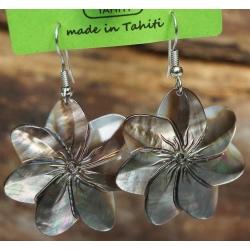 Boucles d'oreilles nacre de Tahiti (fleur) N°9