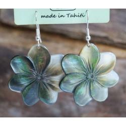 Boucles d'oreilles nacre de Tahiti (petite fleur) N°14