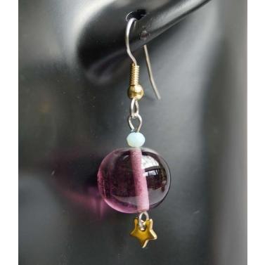 Boucle d'oreille en verre filé mauve