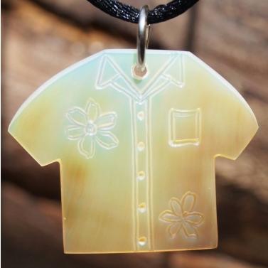 chemise hawaienne en nacre de Tahiti