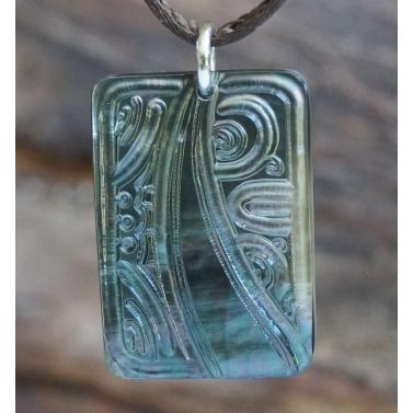 pendentif plaque nacre Tahiti