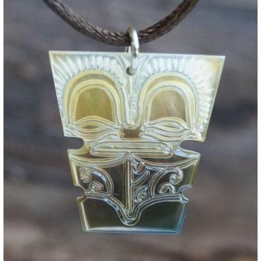 pendentif en nacre de tahiti