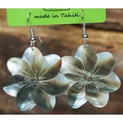 Boucles d'oreilles nacre de Tahiti (fleur) N°11