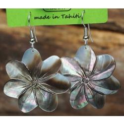 Boucles d'oreilles nacre de Tahiti (fleur) N°12