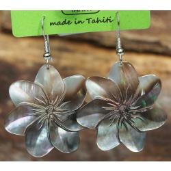 Boucles d'oreilles nacre de Tahiti (fleur) N°2