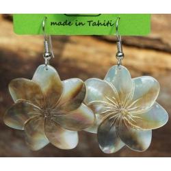 Boucles d'oreilles nacre de Tahiti (fleur) N°4