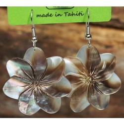 Boucles d'oreilles nacre de Tahiti (fleur) N°8