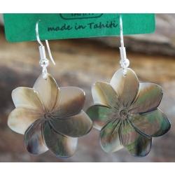 Boucles d'oreilles nacre de Tahiti (petite fleur) N°10