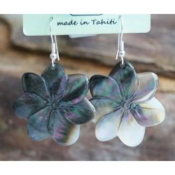 Boucles d'oreilles nacre de Tahiti (petite fleur) N°13