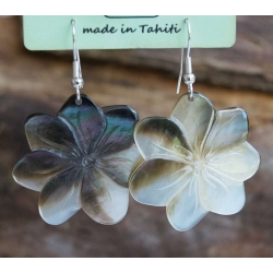 Boucles d'oreilles nacre de Tahiti (petite fleur) N°16
