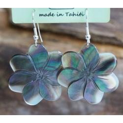 Boucles d'oreilles nacre de Tahiti (petite fleur) N°17
