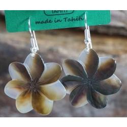 Boucles d'oreilles nacre de Tahiti (petite fleur) N°5