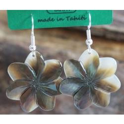 Boucles d'oreilles nacre de Tahiti (petite fleur) N°6