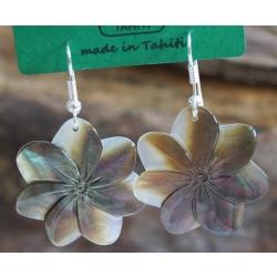 Boucles d'oreilles nacre de Tahiti (petite fleur) N°8