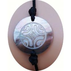 Bracelet nacre motif ethnique N° 3