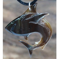 Pendentif Requin chasseur n° 2