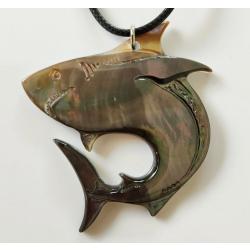Pendentif Requin nacre de Tahiti n° 11