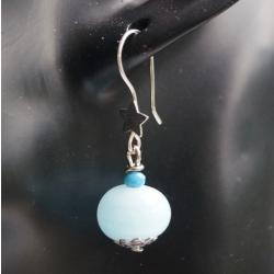 Boucle d'oreille en verre filé bleu